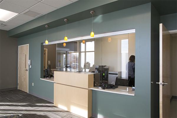connecticut-architect_healthcare-hospital_urgent-care-interior_waiting-room-2.jpg